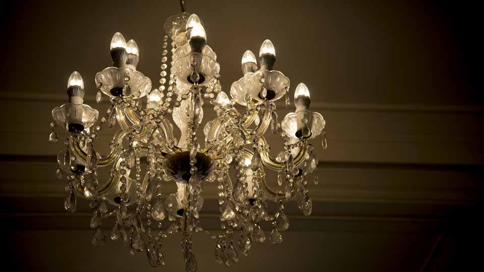 Verselec - Electricians Liverpool - Lighting - Chandelier Lights