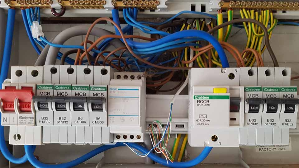 Verselec Electricians Liverpool - Electrical Fault Finding - Fuse Board Replacement - Rewires